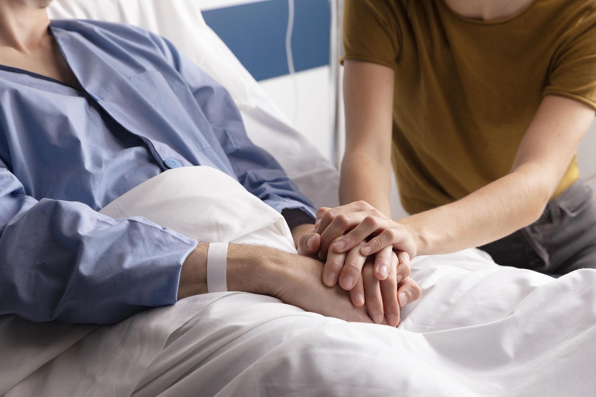Acompanhantes e Visitas nos Hospitais. Atualização de Orientação 038/2020.